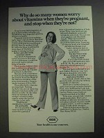 1977 Roche Pharmaceutical Ad - Vitamins When Pregnant