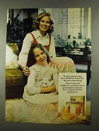 1974 Quaker King Vitamin Cereal Ad - Buy Nourishing