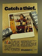 1979 Sylvania Blue Dot Flash Bulbs Ad - Catch a Thief