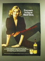 1976 Black Velvet Whisky Ad - Everyone's Trying on Black Velvet